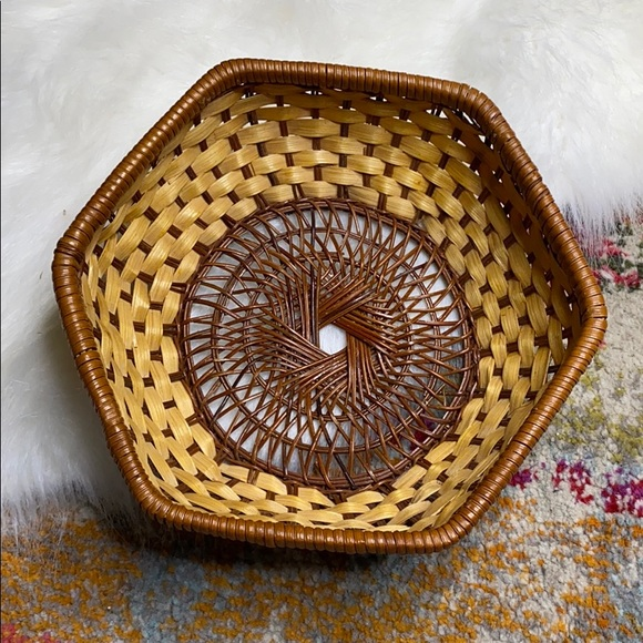 "Vintage 9"" Wicker Basket Hexagon Woven Wall Art"